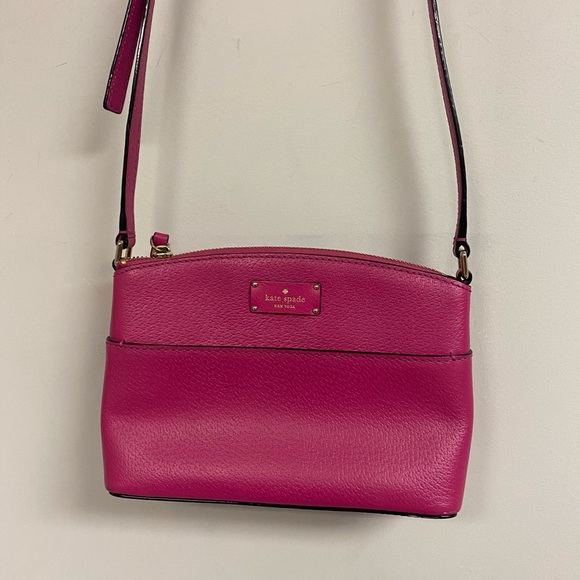kate spade Handbags - Hot Pink Kate Spade Millie grove street crossbody